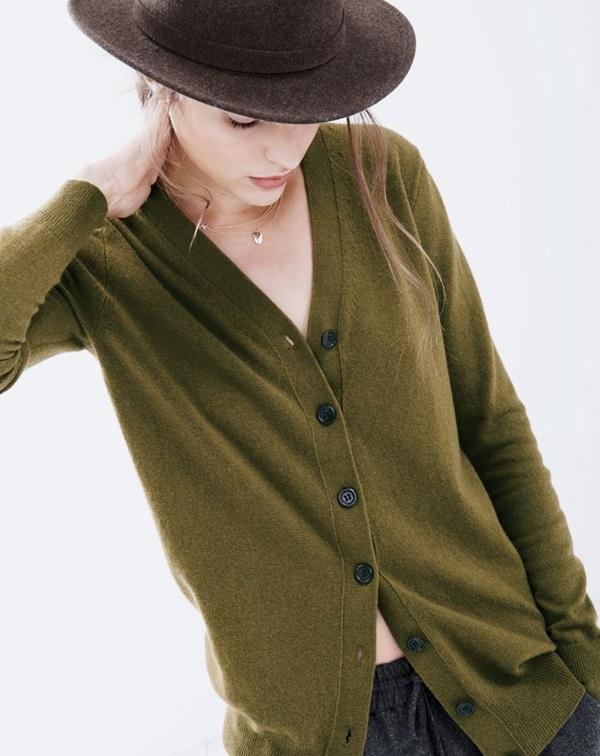 Sexy v-neckline outfit ideas (1)