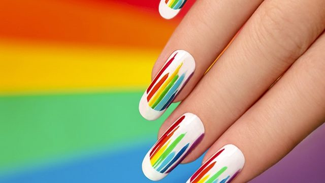 Splashy-Rainbow-Nail-Art-Ideas-to-Try-This-Year