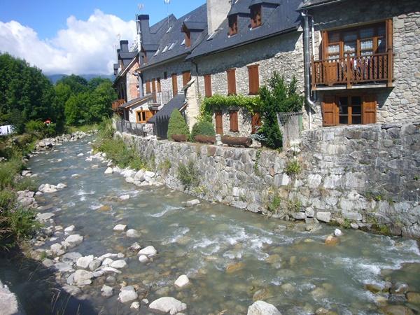 Beautiful-Mountain-Towns-In-Europe