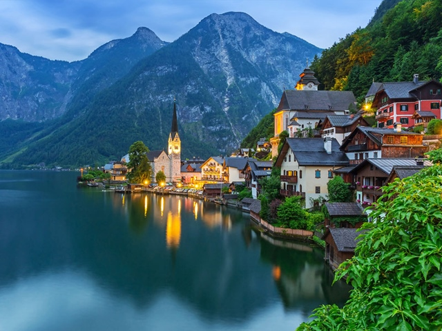 Beautiful-Mountain-Towns-In-Europe