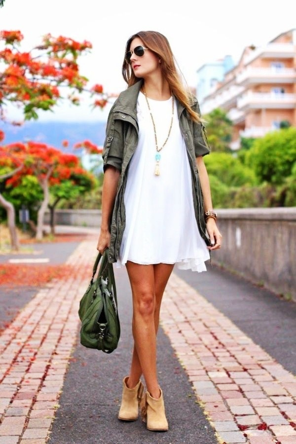 Tips-To-Look-Comfy-Yet-Stylish-In-Little-Dresses