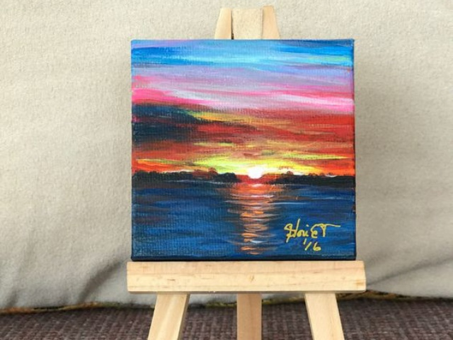 40 Easy Mini Canvas Painting Ideas For Beginners To Try