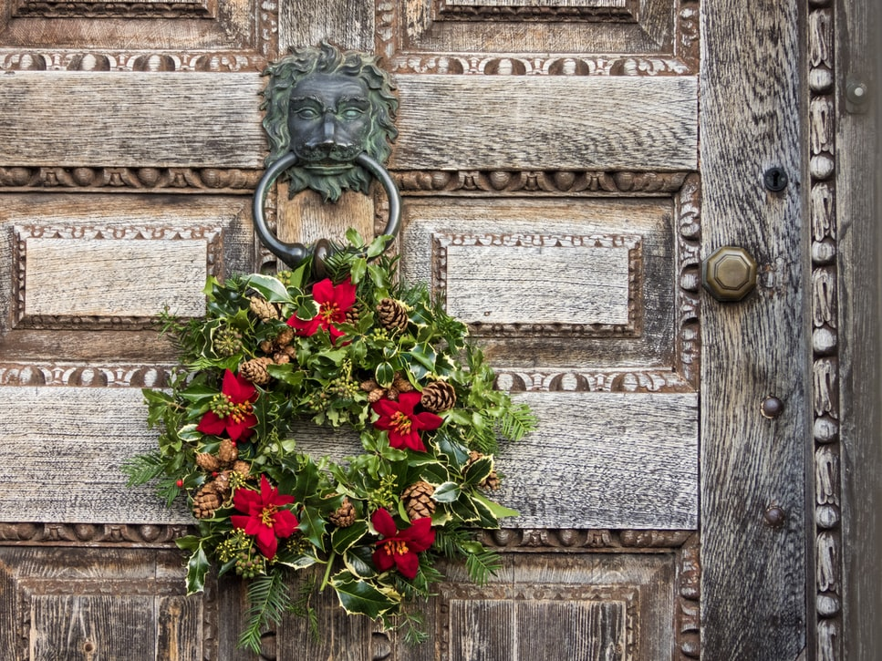 Rustic Christmas wreath with poinsettia